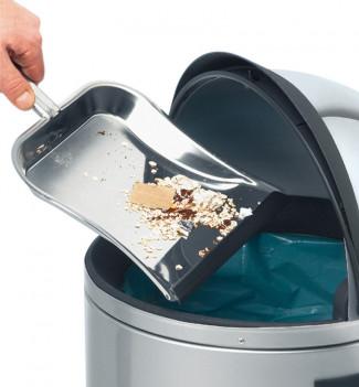 poubelle à pédale