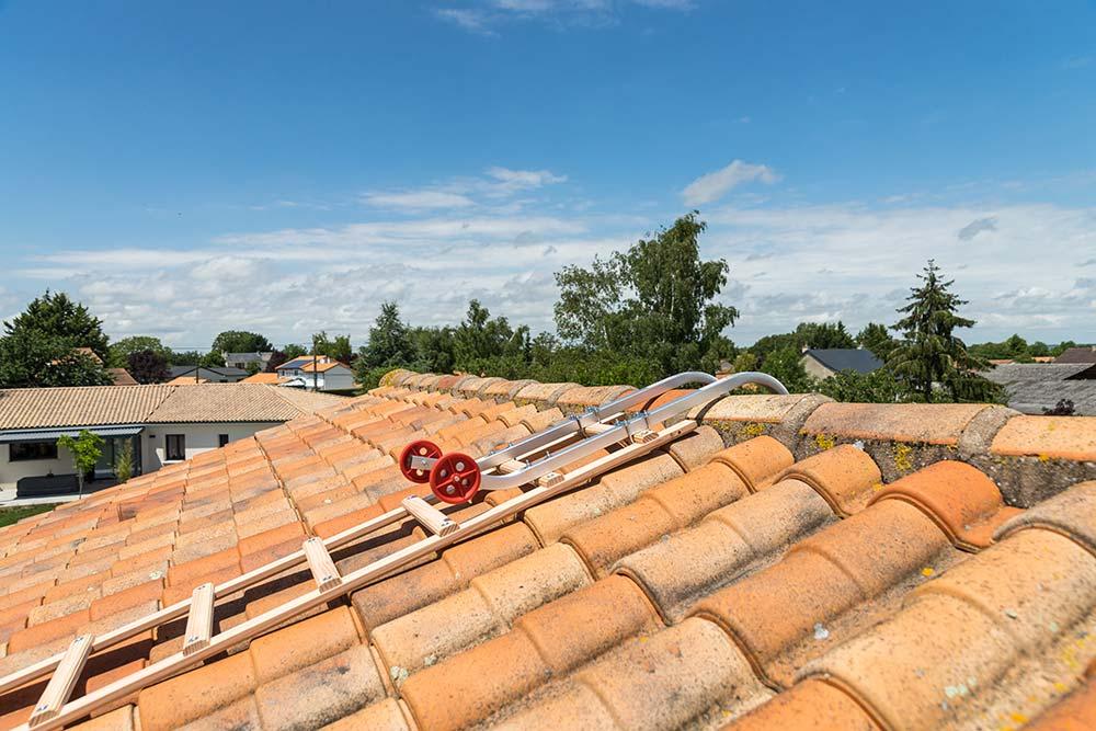 echelle de toit en bois hailo